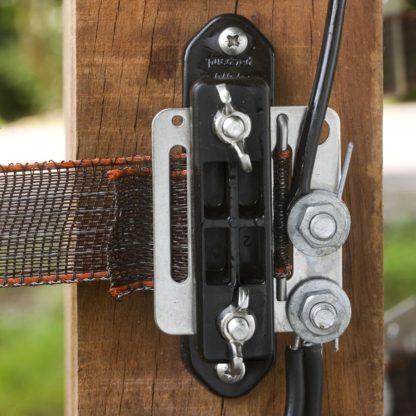 60 L drum Kroon olie Armado Synth LSP Ultra 5W-30 — 162713 — Gallagher Dubbel geïsoleerde aanvoerkabel met metermarkering om het schrikdraadapparaat te verbinden met de afrastering en om (ondergrondse) verbindingen te maken (bijv. poorten). Door de kern van 2,5mm gegalvaniseerd draad tevens geschikt voor afstanden langer dan 30m. 162713 —