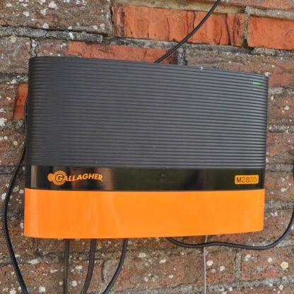60 L drum Kroon olie Armado Synth LSP Ultra 5W-30 — 306308 — Gallagher De M2800i is een extreem krachtig apparaat met 21 Joule ladingsenergie, geschikt voor afrasteringen tot 80 km. Het externe display communiceert met de afrastering. Dit schrikdraadappparaat wordt geleverd met een afstandsbediening en 1 afrastering monitor. Uit te breiden met maximaal 5 extra afrastering monitoren. 306308 —