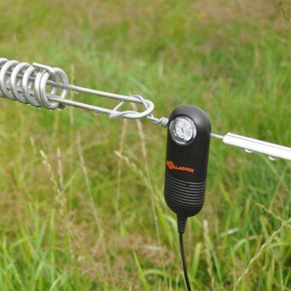 60 L drum Kroon olie Armado Synth LSP Ultra 5W-30 — 511009 — Gallagher Het afrasteringscontrole lampje wordt aan het einde van de afrastering gemonteerd en geeft bij iedere impuls van het schrikdraadapparaat een felle lichtflits, zodat u 's avonds kunt zien of de afrastering nog in orde is. 511009 —
